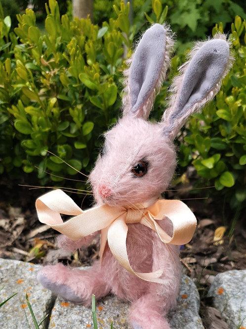 """Piccolo Bunny """"Pinky"""""""