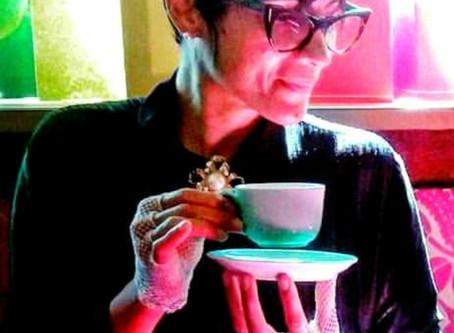 L'univers antique, romantique et sensoriel du thé.. 🌹⚜️