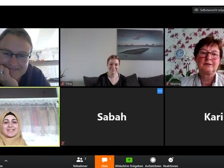 Elternbegleiterinnen treffen sich per Videokonferenz