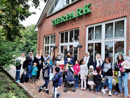Griffbereit-Gruppe der Kita Lütt Matten im Tierpark Ückermünde