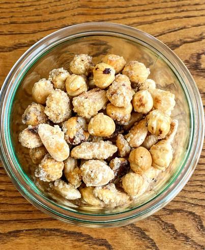 Mandorle e nocciole speziate