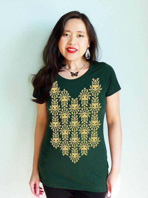 Kiss Under the Catnip Women's T-shirt