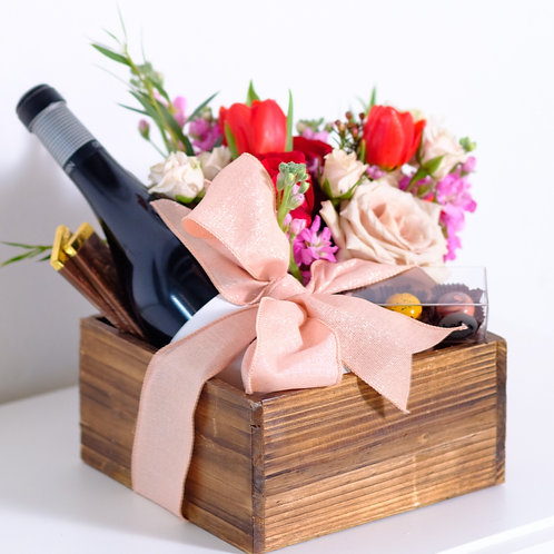 Chocolate Lover Wine and flowers Gift Box