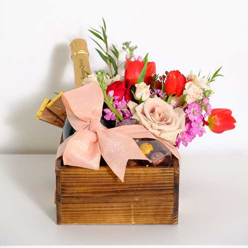 Chocolate Lover Champagne and flowers Gift Box