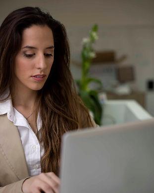 Женщина Рабочая