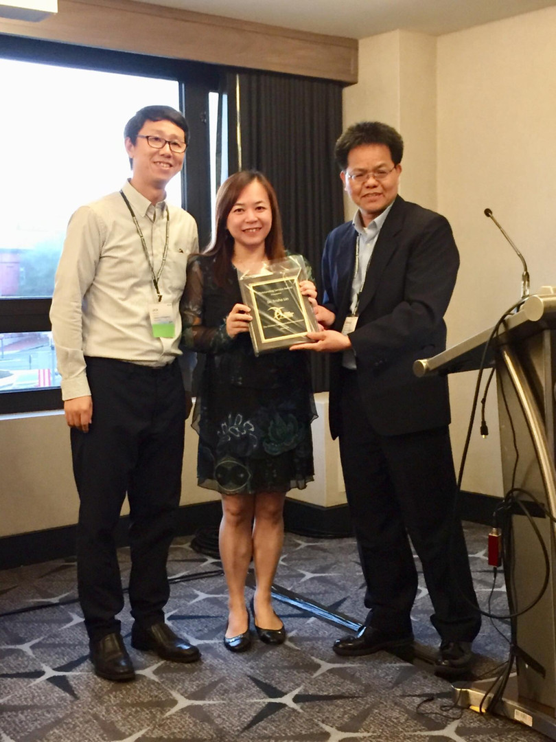 awards-Prof. Lin.jpg