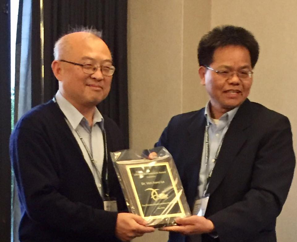 awards-Prof. Lo.jpg