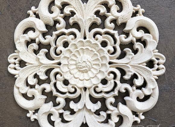 Baroque Centrepiece WUB2171 14.2cms