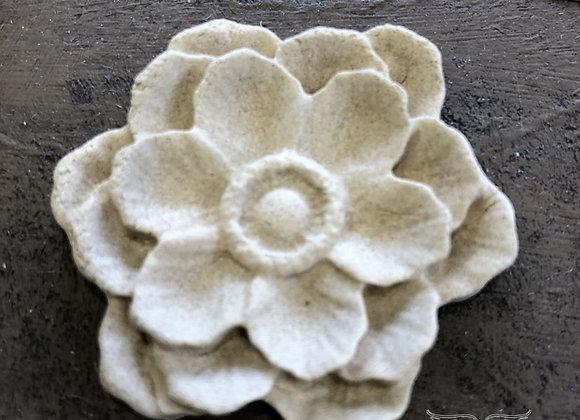 Classic Multi Petal Flower WUB0355 5.3cms