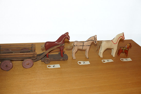 4 Antikke heste