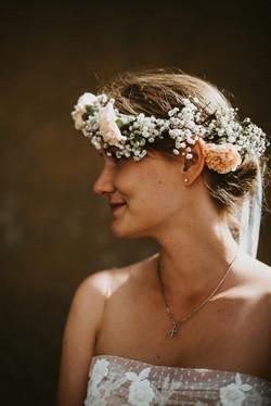Hochzeitsfotograf-Braut-Blumenkranz
