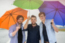 Fotoshooting mit Regenschirmen, Flugplatz Blankensee Lübeck, Paint, Band aus Lübeck, Künstlerportrait