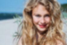 Fotoshooting am Meer, Mädchenportrait