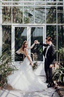 Brautpaar-Botanischer-Garten-Muenchen