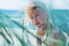 Fotoshooting am Meer, Portrait in den Dünen