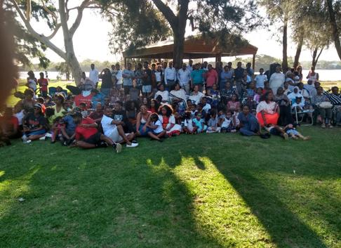 languge school picnic (5).png