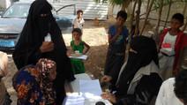 50 widows in Al-Durehimi area of Hodeidah received cash assistance from Mona Relief