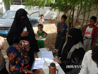 50 widows in Al-Durehimi area of Hodeidah received cash assistance from Mona Relief