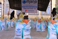 100 food aid baskets deliver to vulnerable families in Sana'a