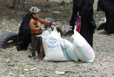 Mona Relief delivers 100 food aid baskets in Sana'a