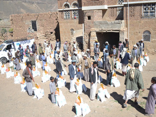 Mona Relief's team delivers 50 families in Khulan district of Sana'a food aid baskets