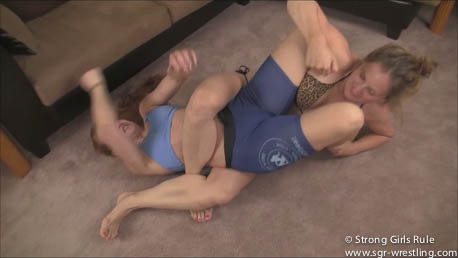 SGR0004 Apartment Wrestle