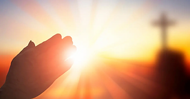 15841-praying-hands-at-sunset-with-cross