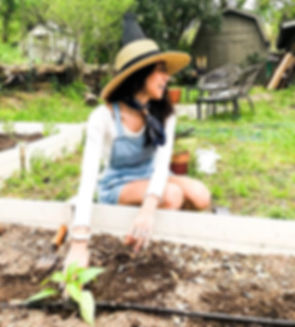 A gardener in her natural habitat!!! Thi