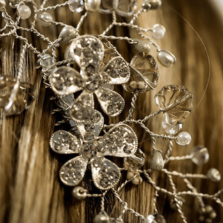 1 Margarita Hair Comb close up in rubys