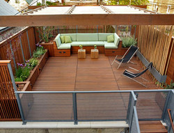 ROOFTOP PATIO / PRIVACY WALL