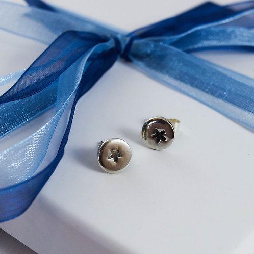Star stamped stud earrings