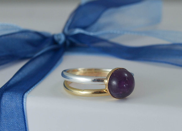 Amethyst set in 9ct gold bezel stacking ring