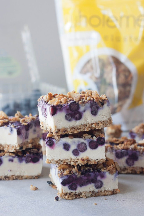 Happy 4th of July! NO BAKE BLUEBERRY CHEESECAKE CRUMBLE BARS