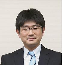 山本様肖像写真2.png