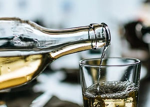 white-wine-3835585_640.jpg