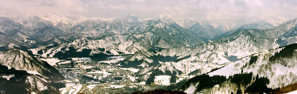 Mont Ichigo, Minami Uonuma, Shiozawa, Mont Makihata 巻機山, Mt. Hakkai 八海山, Mt. Asahi 朝日岳, Mont Echigo-Komagatake 越後駒ヶ岳. Pays de neige, 雪国。