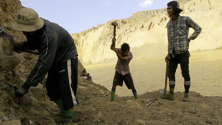 Jade Miners|挖玉石的人 / Midi Z|趙德胤