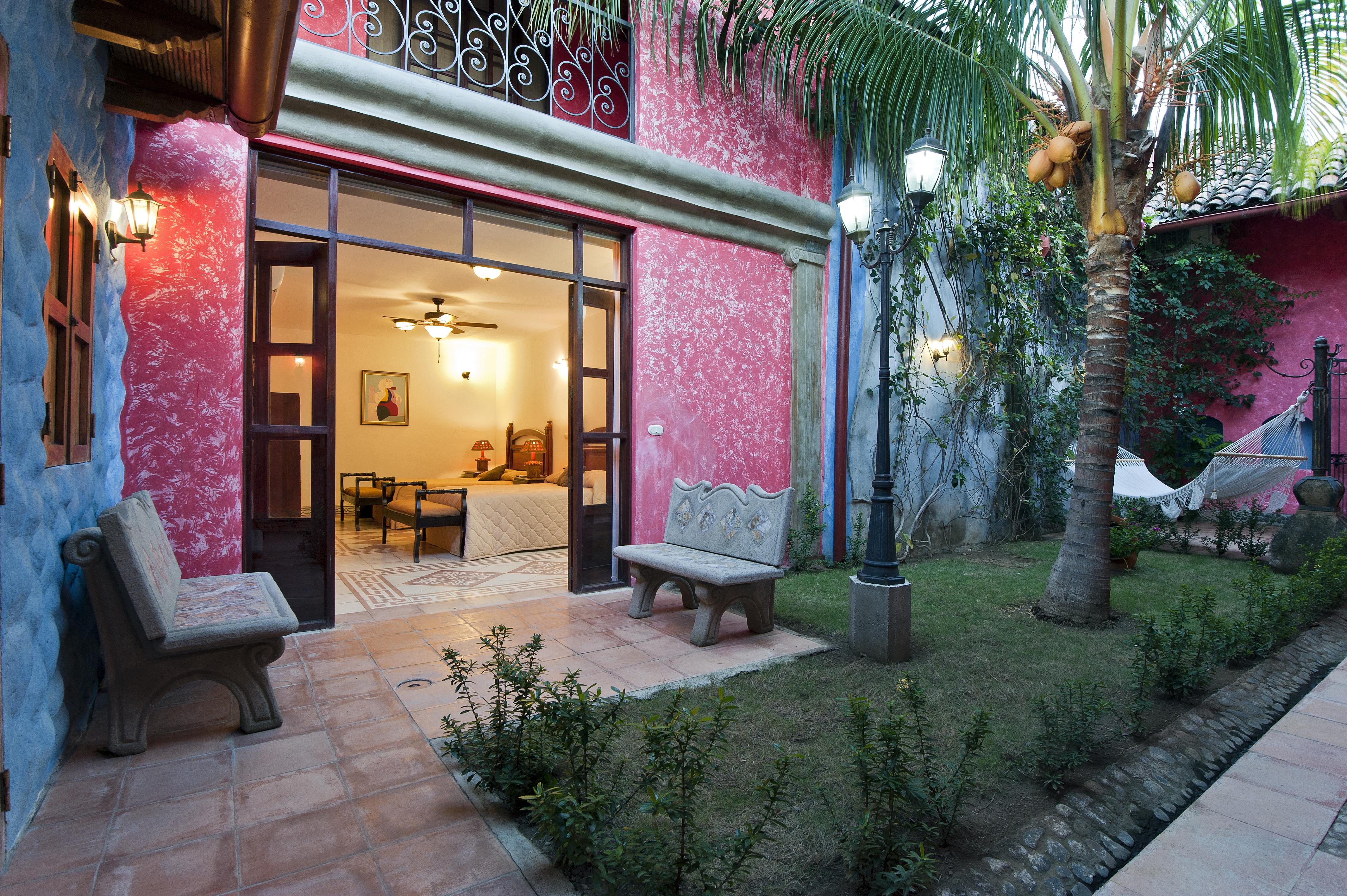 Habitaciones y jardines con encanto