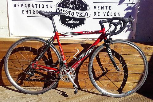 Vélo de course Vitus Futural 6061