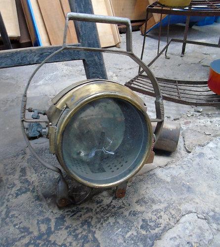 Ancienne lampe de navire
