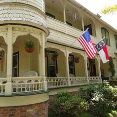 Historic Engadine Inn