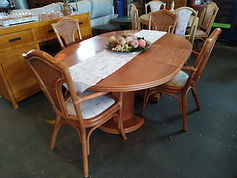 Mesa extensible + 4 sillas - Extensible table + 4 chairs 120 cm. - 165 x 120 cm. 265€