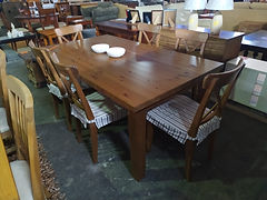 Mesa + 6 sillas - Table + 6 chairs 180 x 100 cm. 365€