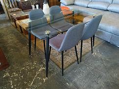 """NUEVO"" Mesa + 4 sillas - ""NEW"" Table + 4 chairs 140 x 80 cm. 225€"