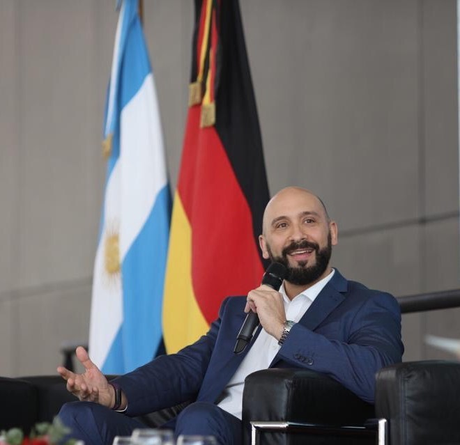 Hernán López (Phoenix Contact)