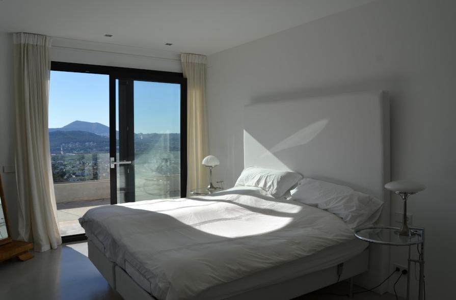 HIBS-2039 Schlafzimmer 1