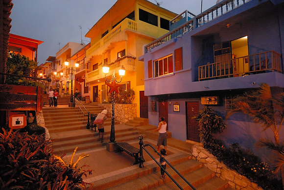 2 Nights Pre/Post Excursion Package in Guayaquil