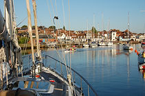 Luxury Boat Trips Lymington Beaulieu River Needles Isle of Wight www.thesalamandersailingadventure.com © Julian White