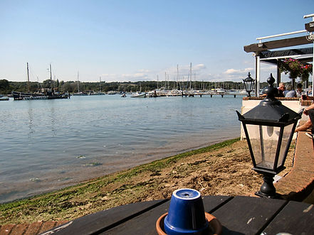 The easiest and best way get to and book a table at The Folly Inn on the banks of the River Medina in Whippingham is with The Salamander Sailing Adventure Cowes Isle of Wight Luxury Boat Trip Call or Text 07798 524111