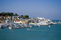 Salamander Boat Trips to see Cowes The Folly Inn and the River Medina on the Isle of Wight with The Salamander Sailing Adventure Cowes Isle of Wight Luxury Boat Trip with pub lunch at The Folly Inn Wippingham #GetInTouch2GetOnBoard +44 (0)7798 524111
